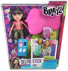 bratz selfie stick with doll at ebay. Black Bedroom Furniture Sets. Home Design Ideas