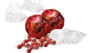 1.1KG of Lindor Lindt Chocolate: Two 550g Maxi Balls: Groupon