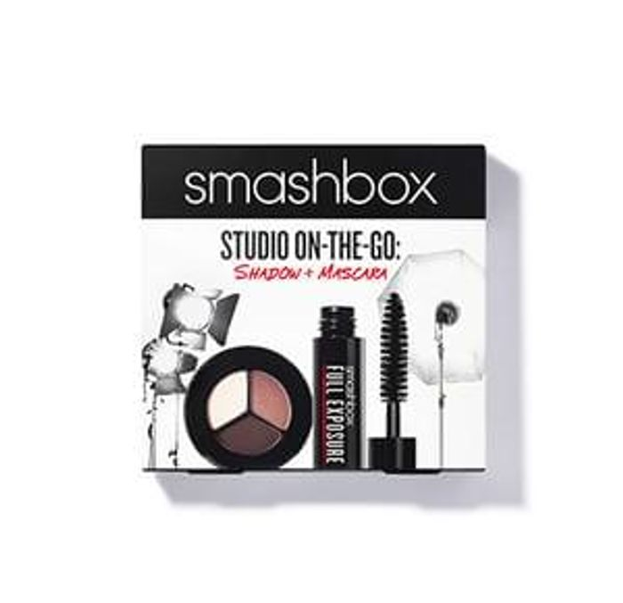 HALF PRICE Studio On the Go Set at Smashbox with Free Delivery!