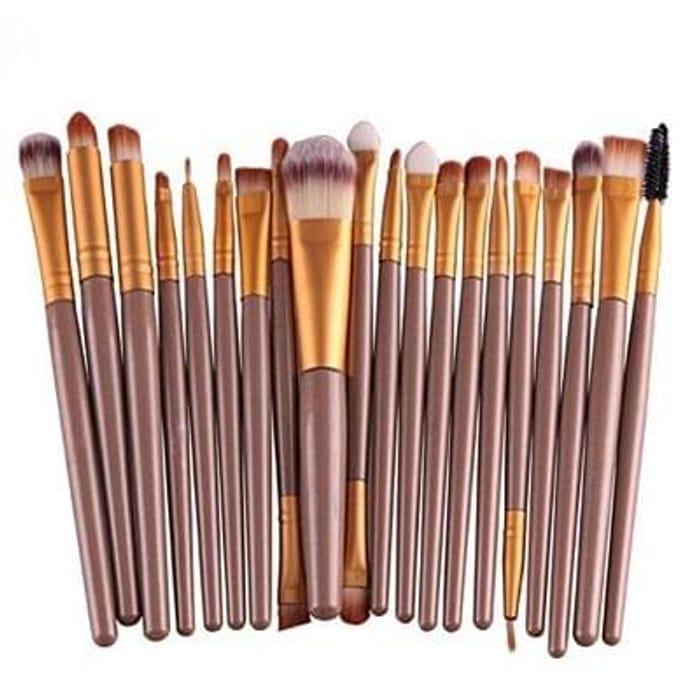 20 piece make up brush set