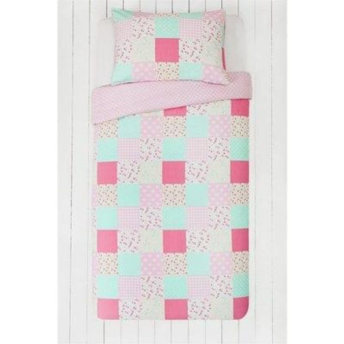 Double pack of children's bedding