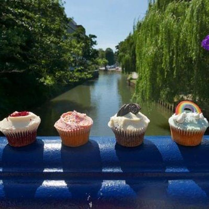 Hummingbird Bakery in Guildford - FREE cupcakes