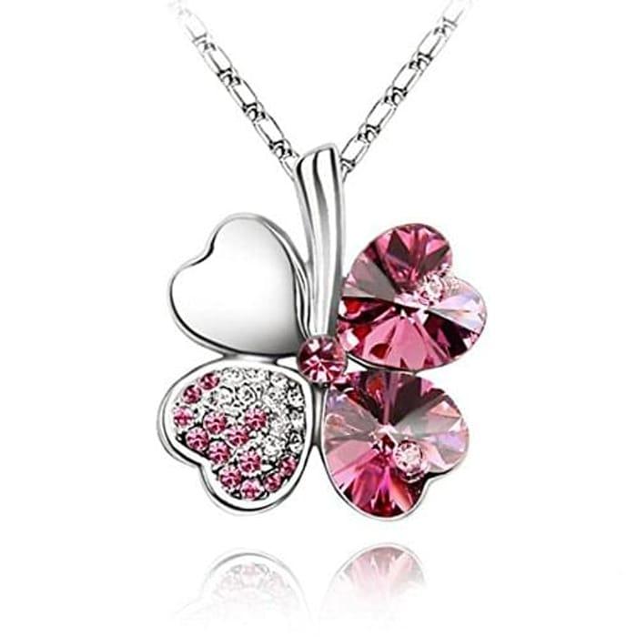 Lovely four leaf clover necklace
