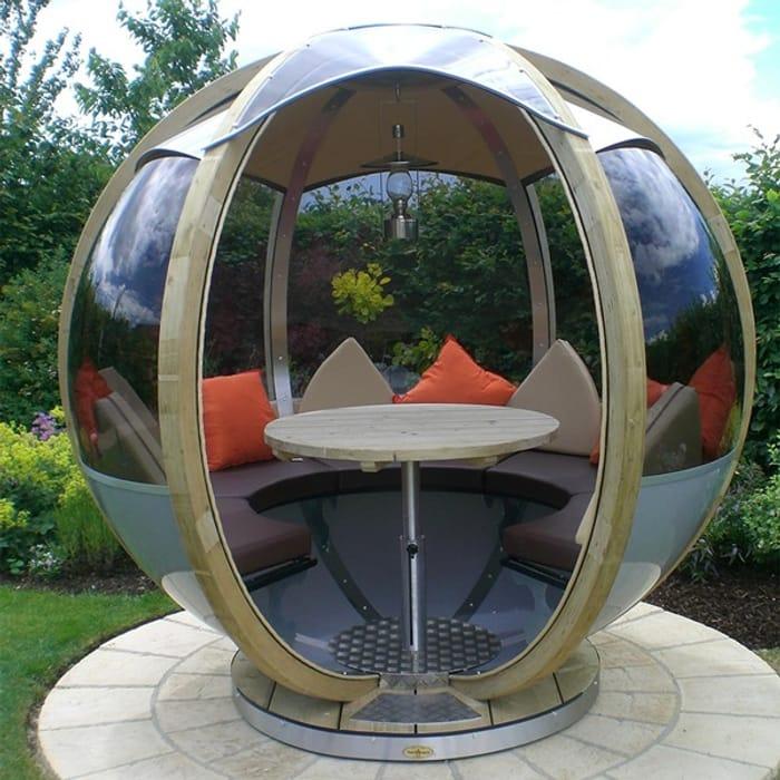 Luxory Rotating Seater Garden Pod