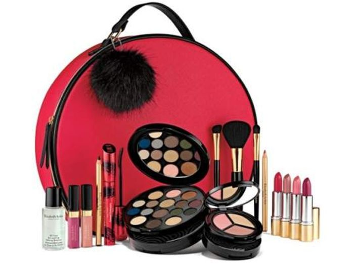 ELIZABETH ARDEN HOLIDAY BLOCKBUSTERMAKEUP COLLECTION worth over £310