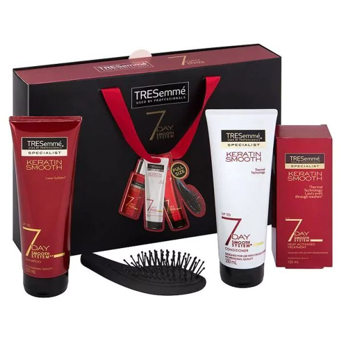 TRESemmé 7 Day Smooth Gift Set