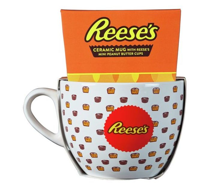 Reese's Mug with Peanut Butter Cups