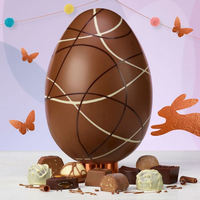 The Continental Statement Egg is Only £15 with FREE Standard Delivery