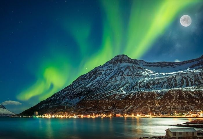 Award Winning Short Break to Iceland with a Tour of the Northern Lights Included