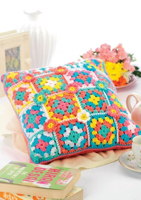 Spring Shades Granny Square Crochet Cushion (DOWNLOAD PATTERN)