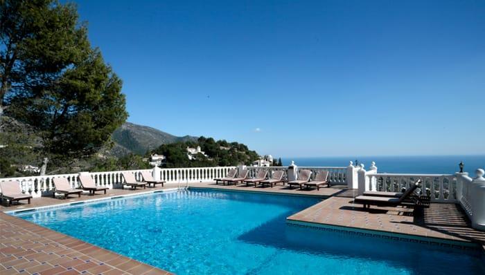 Win Great Summer Breaks with MacDonald Hotels