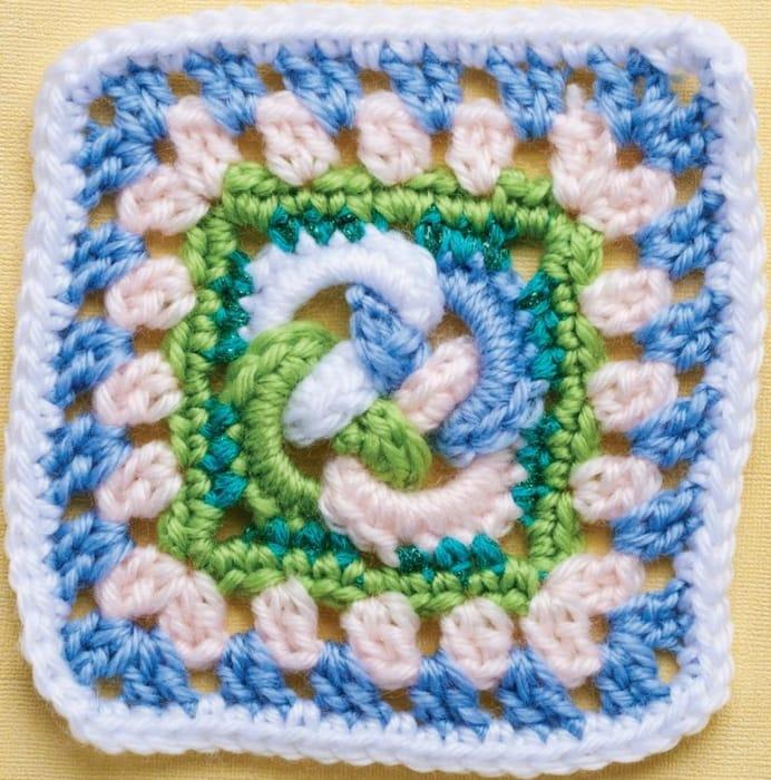 Celtic Knot Granny Square (DOWNLOAD PATTERN)