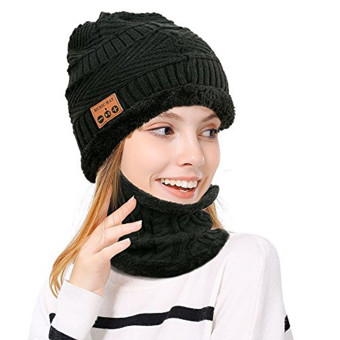 Wireless Bluetooth Skiing Beanie Hat with Scarf - Only £7.50!