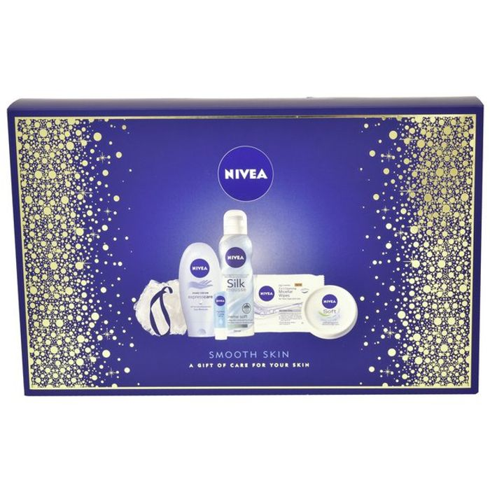 Nivea Women's Smooth Skin Gift Set