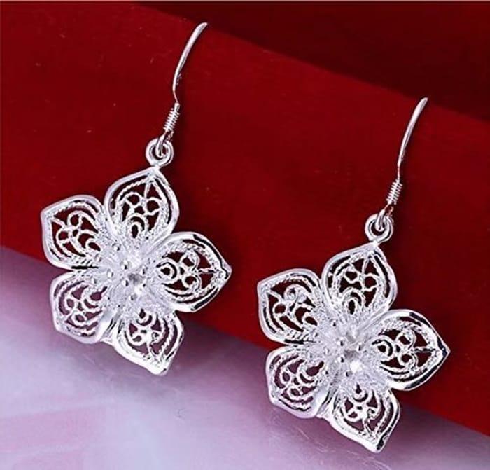 Pretty Flower Earrings Silber Plated