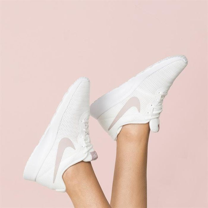 Nike Tanjun Ladies Trainers Sizes 3   7 a79c2ce4739d
