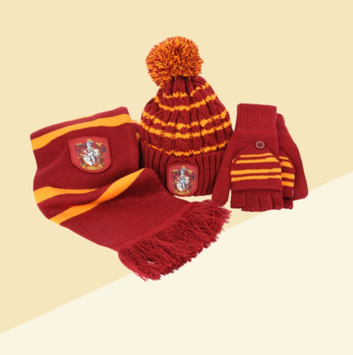 30% off Harry Potter Hats, Scarves and Gloves