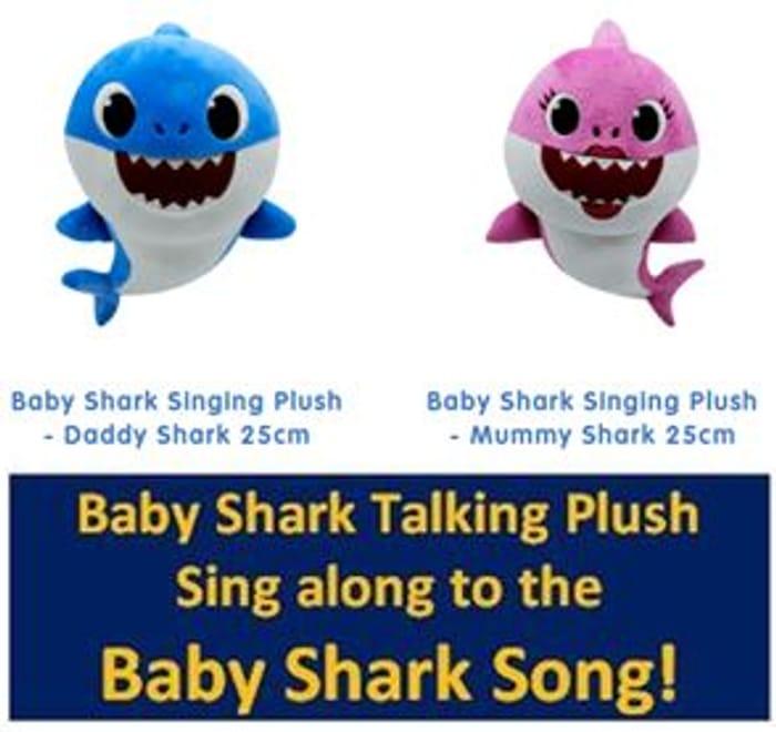 BABY SHARK SINGING PLUSH - Baby Shark, Mummy Shark & Daddy
