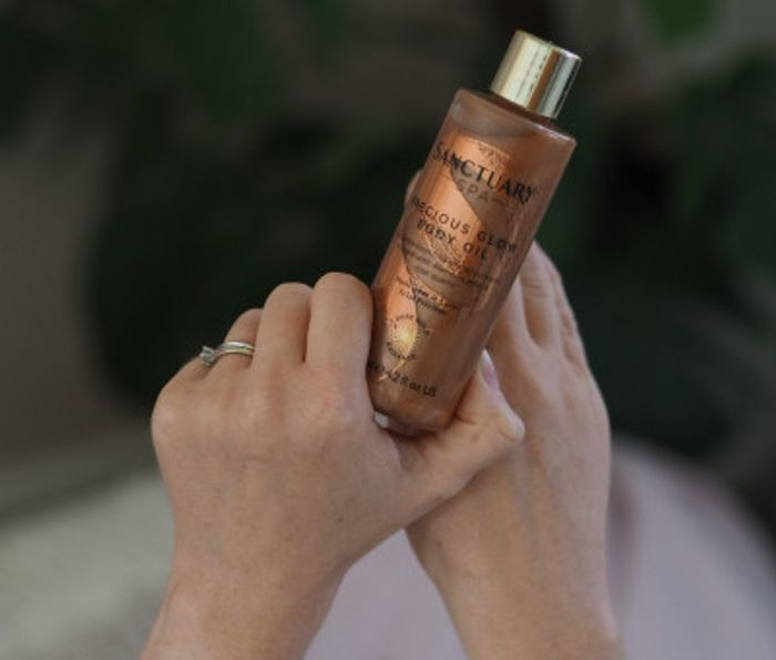 Free Sanctuary Spa Rose Gold Radiance Body Oil