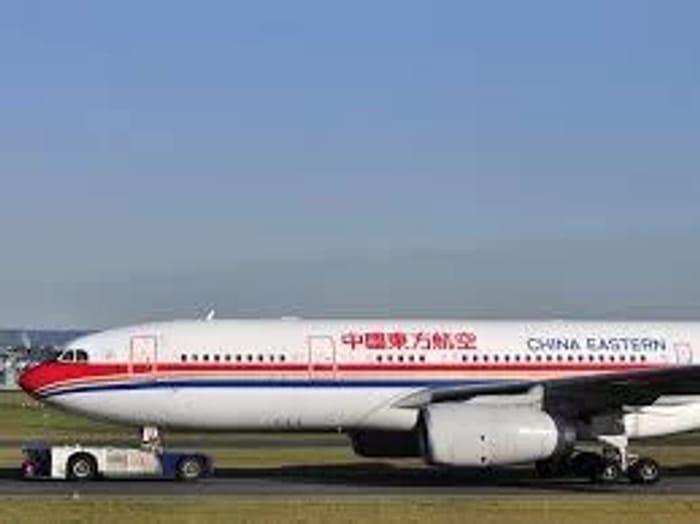 Return Flight from London Gatwick to Shanghai