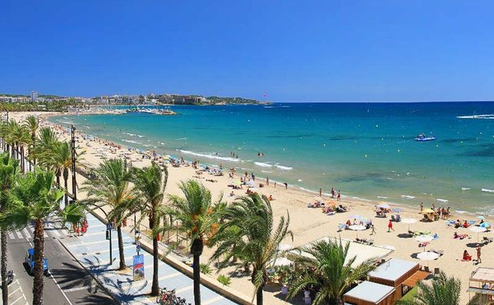 Salou: All Inclusive 7 Night Holiday near PortAventura & Ferrari Land