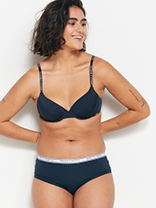 20% off All Bras at Lindex