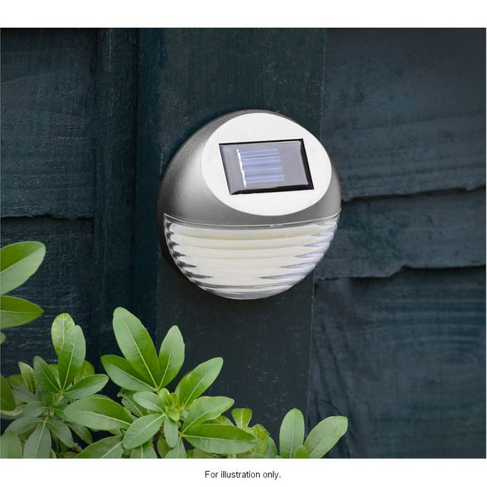 Solar Powered Fence Light £1.99 BUY 3 for £5