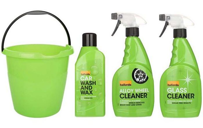 Halfords Car Cleaning Bundle with Bucket