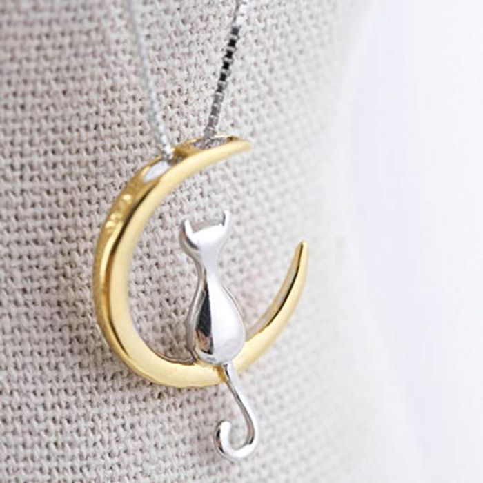 Cute Cat & Moon Necklace Only 49p Delivered.