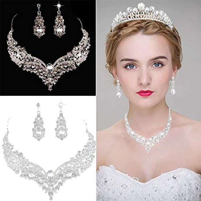Necklace & Earring Set doesnt include tiara