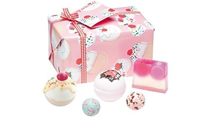Bomb Cosmetics Cherry Bathe-Well Handmade Gift Pack