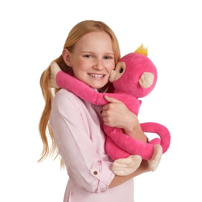 Prime Only Deal - Fingerlings Hugs Pink Bella
