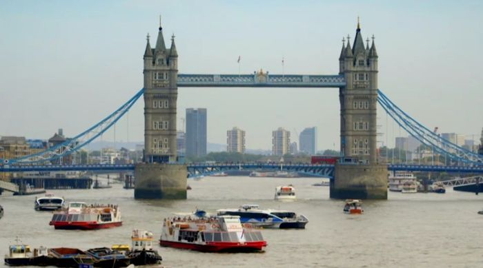 Win a Trip to London and £1000!