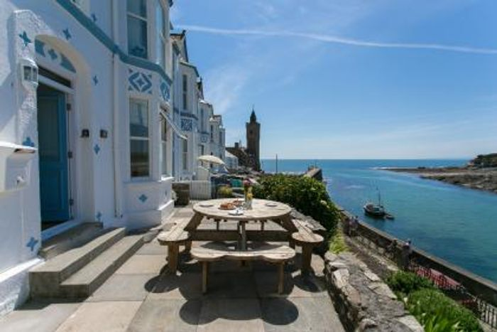 Win £500 off a Break to Cornwall