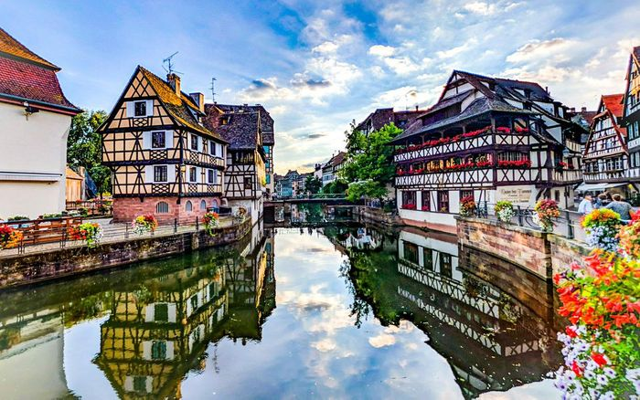 Super Cheap Flights to Strasbourg, France