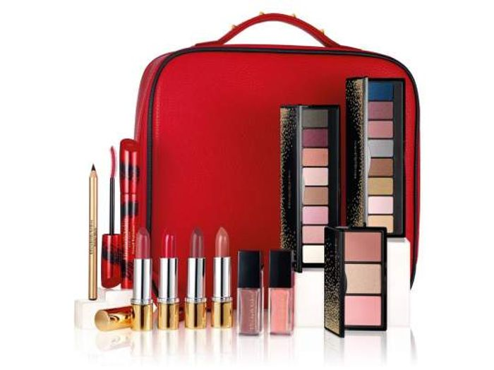ELIZABETH ARDEN on HOLIDAY 2018. CONTENTS worth over £310.This Sells Quickly !!