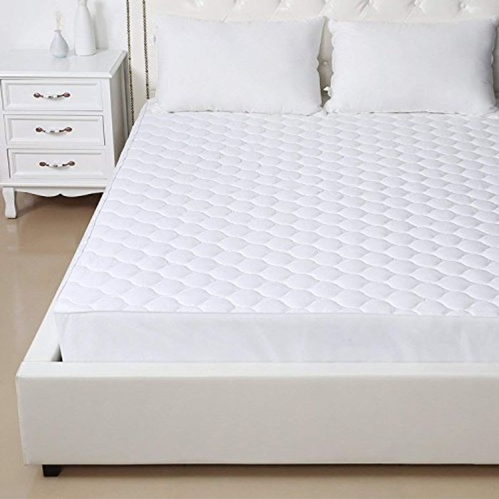 GLITCH! Free Quilted Mattress Cover!