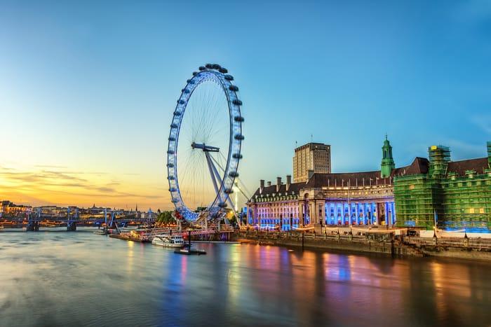 4* London Break, Breakfast with London Eye & River Cruise for Two