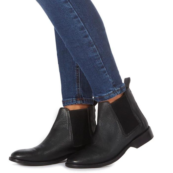 Faith Black 'Binky' Chelsea Boots Size 5 Now £13.50 at Debenhams