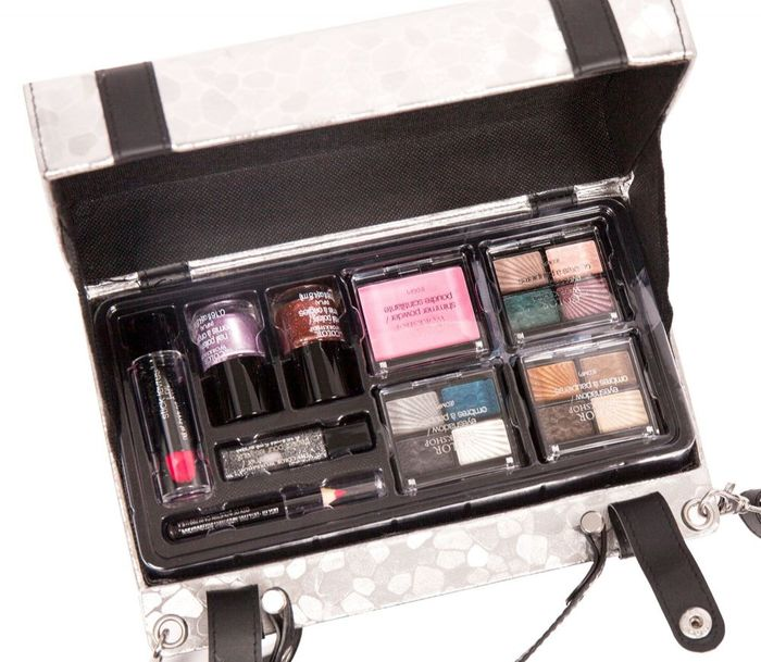 The 19 Piece Collection Make-Up