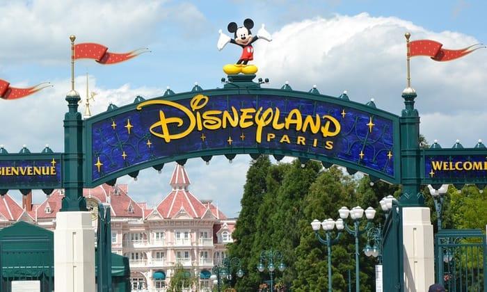 Disneyland Paris 2 Night Park Tickets & Return Flights in December Christmas