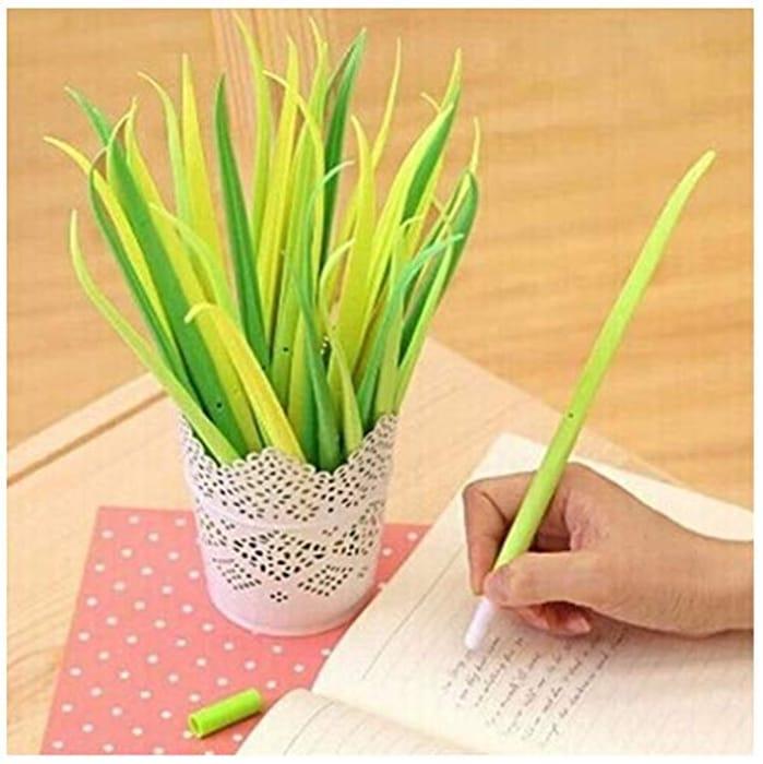 12 Novelty Grass Leaf Pens - £2.58 Delivered