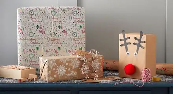 Christmas Eve Box and Gift Wrap Workshops at Hobbycraft