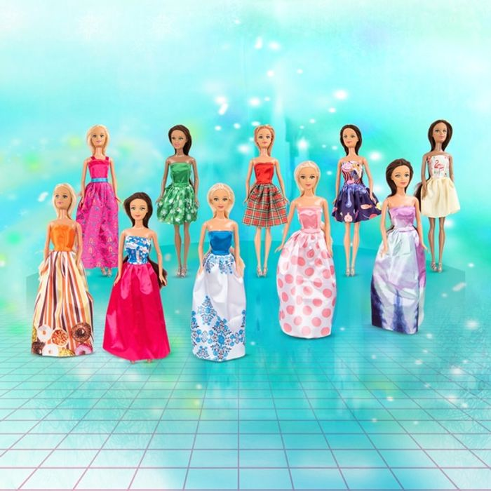 Half Price - 10 Pack Fashion Dolls Now £14.99 / £1.49 Each + Free Delivery