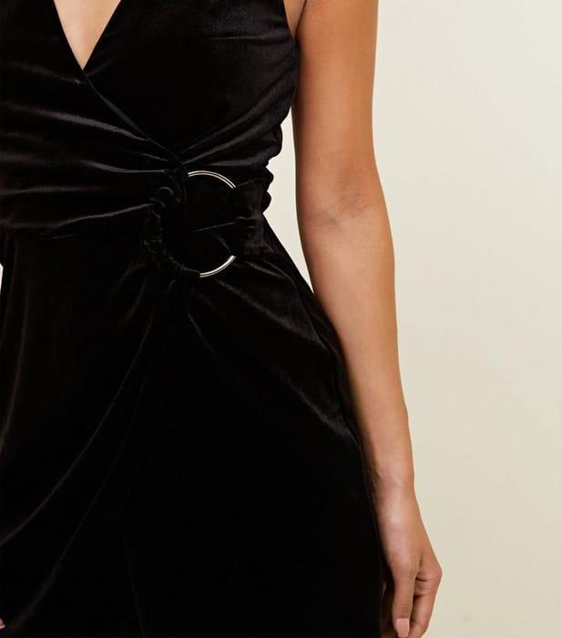 Black Velvet Ring Detail Wrap