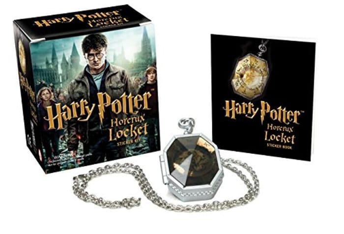 Harry Potter Slytherins Locket Horcrux Kit and Sticker Book (Mega Mini Kits)