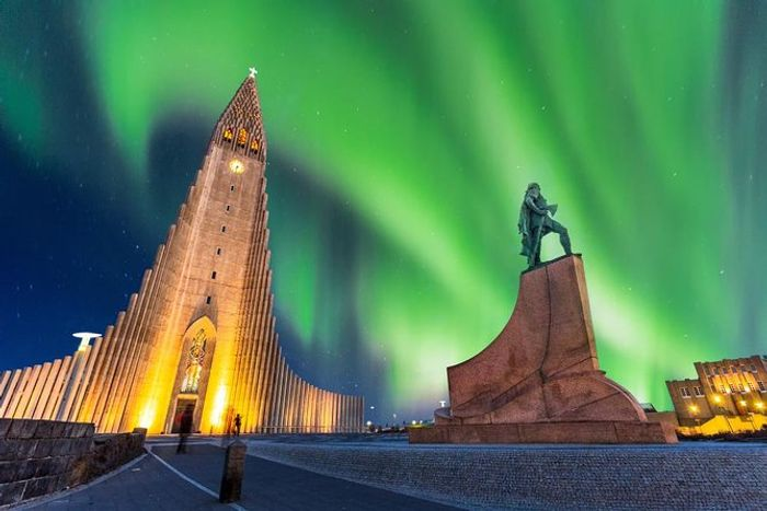 Northern Lights Classic Tour with Audioguide - Reykjavk