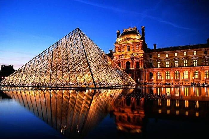 Paris by Night Illuminations Tour