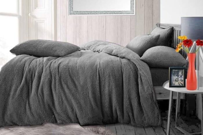 Teddy Fleece Bedding Set - 3 Sizes & 7 Colours!