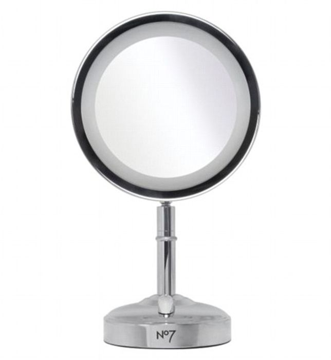 Cheap No7 Silver or Gold Illuminated Makeup Mirror, reduced by £25!